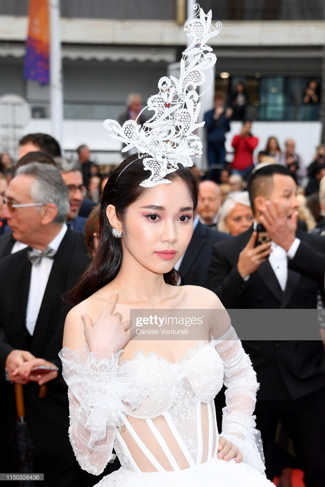 Thêm mỹ nhân Việt xuất hiện tại Cannes: Ăn mặc diêm dúa, cố tình chơi trội, hoá ra là người quen của Ngọc Trinh - Hình 3