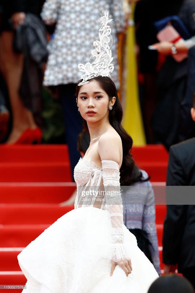 Thêm mỹ nhân Việt xuất hiện tại Cannes: Ăn mặc diêm dúa, cố tình chơi trội, hoá ra là người quen của Ngọc Trinh - Hình 2