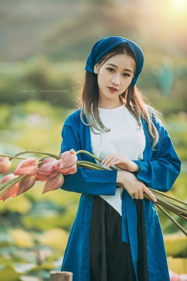 Thiếu nữ Hà thành nô nức khoe sắc cùng mùa sen nở - Hình 3