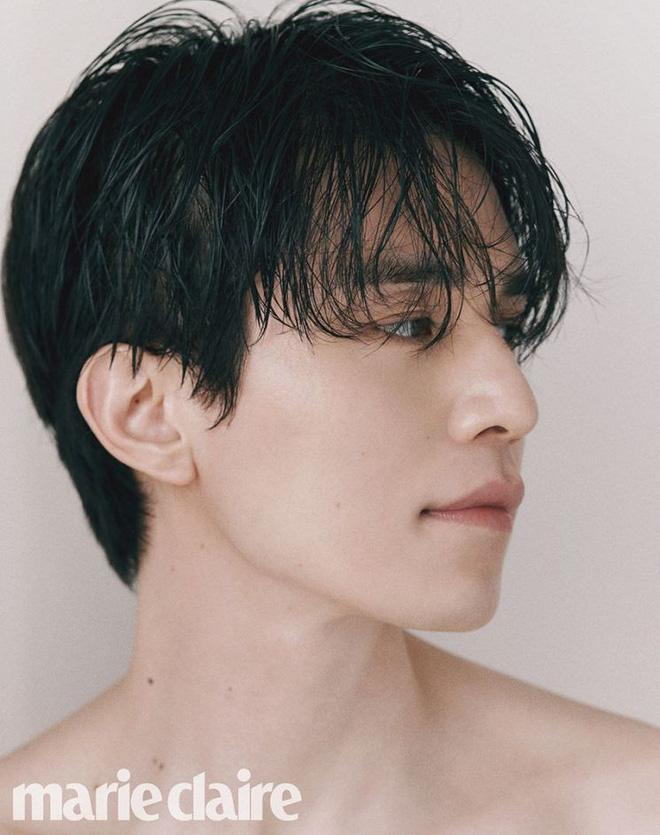 Trời ơi, cả làng ra xem anh chú Lee Dong Wook khiến chị em sốc nhiệt vì cởi trần khoe trọn vẻ đẹp trai đây này! - Hình 3