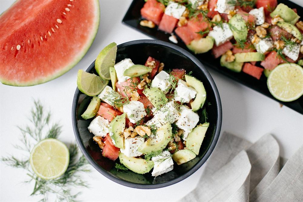 Bí kíp trộn salad thanh mát, dễ làm không cần tỷ lệ cho ngày nóng nực - Hình 4