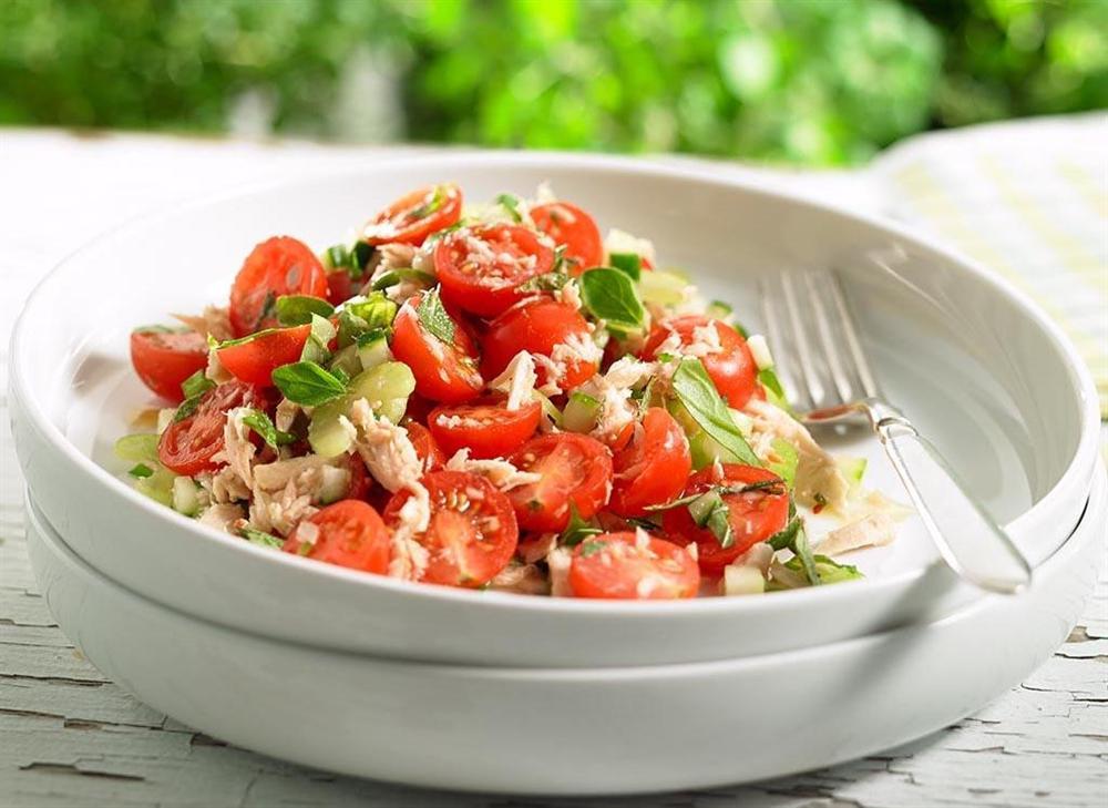 Bí kíp trộn salad thanh mát, dễ làm không cần tỷ lệ cho ngày nóng nực - Hình 7