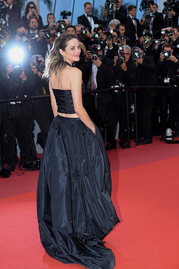 Bông hồng Pháp Marion Cotillard khoe eo ở Cannes - Hình 3
