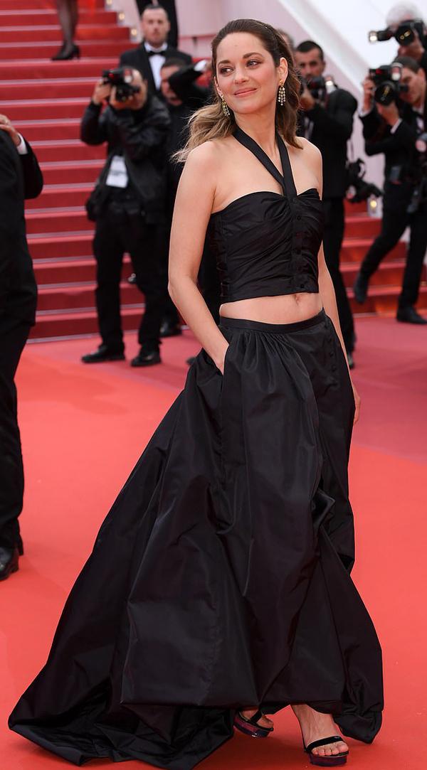 Bông hồng Pháp Marion Cotillard khoe eo ở Cannes - Hình 2
