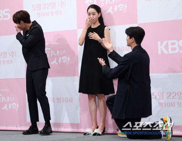 Họp báo Dan Only Love: Shin Hye Sun thùy mị bên L (Infinite) và tài tử Lee Dong Gun - Hình 18