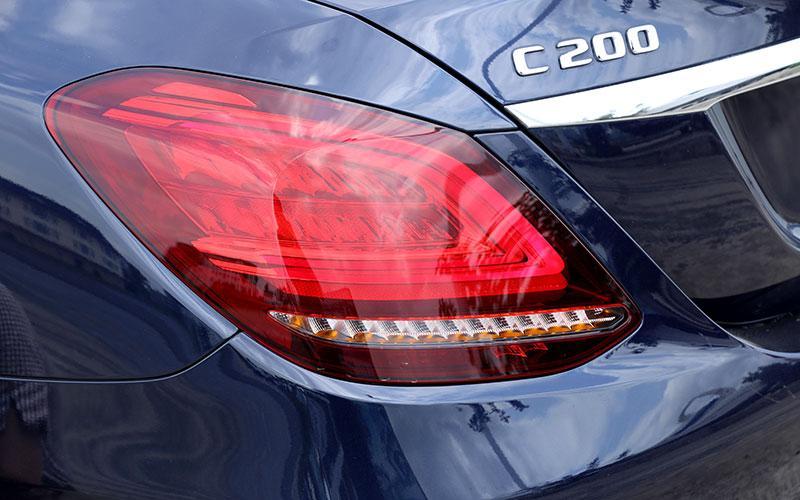 Những điểm lôi cuốn cùng nhược điểm của Mercedes-Benz C-Class mới 2019 - Hình 5