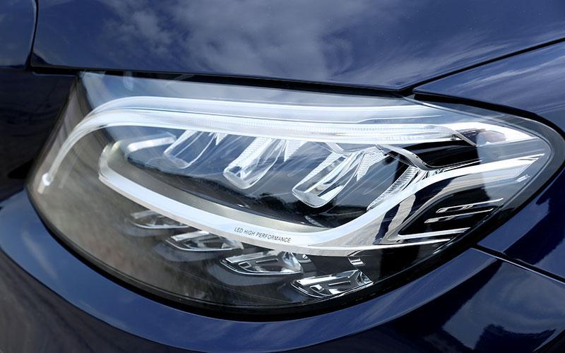 Những điểm lôi cuốn cùng nhược điểm của Mercedes-Benz C-Class mới 2019 - Hình 4