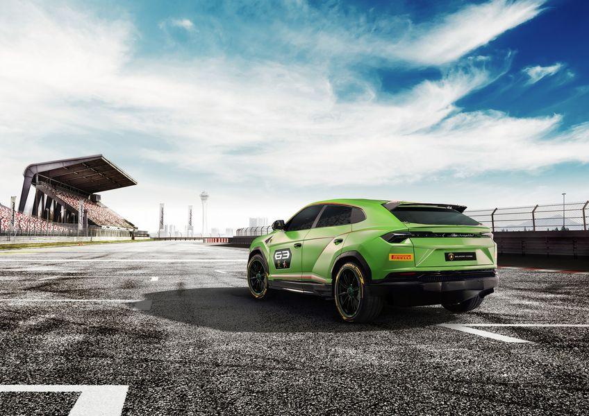 Phiên bản mạnh mẽ hơn của Lamborghini Urus có thể được xây dựng từ xe đua ST-X - Hình 2