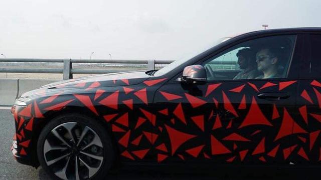 VinFast nguỵ trang xe như trang trí, còn các hãng ô tô khác thì sao? - Hình 5