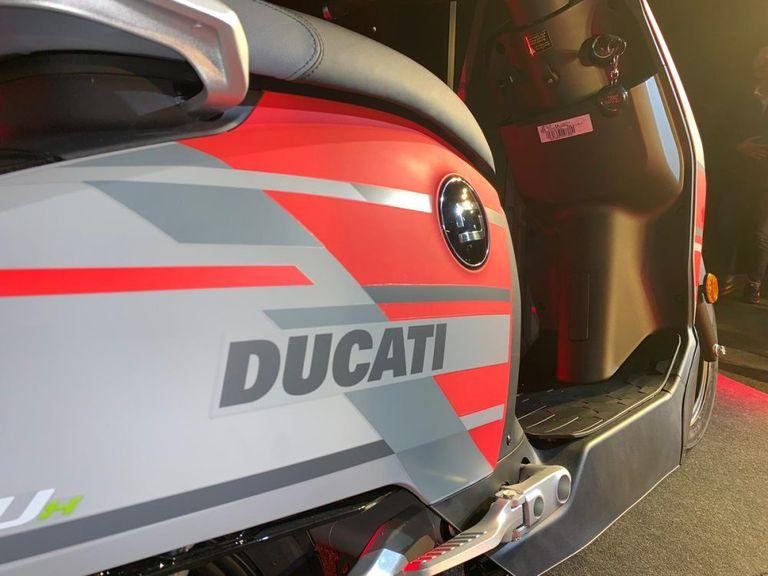 Xe máy điện của Ducati ra mắt phiên bản giới hạn, giá bán hơn 77 triệu VNĐ - Hình 2