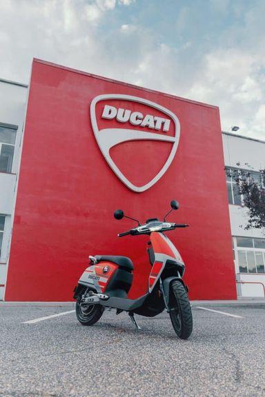 Xe máy điện của Ducati ra mắt phiên bản giới hạn, giá bán hơn 77 triệu VNĐ - Hình 5