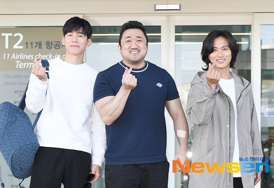 Yoon Seung Ah theo chồng và Ma Dong Seok sang Pháp dự LHP Cannes 2019 - Hình 11