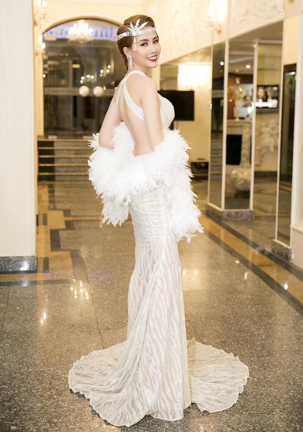 Bị chê tả tơi nhưng bộ cánh của Ngọc Trinh tại Cannes vẫn đẹp nhất tuần - Hình 10