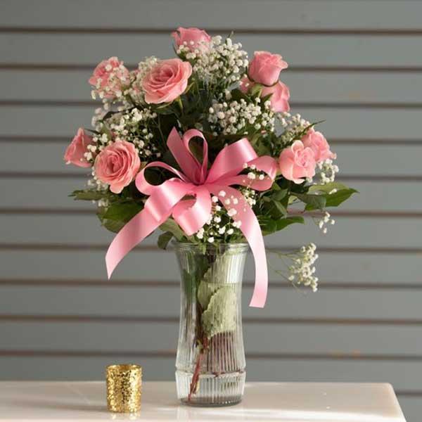 Cách cắm hoa hồng đẹp lung linh cho người không có hoa tay - Hình 1