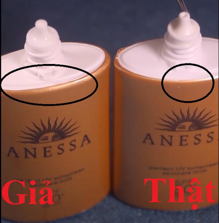 Có 7.350 lọ kem chống nắng Anessa bị làm giả, để không tiền mất tật mang các chị em cần nhớ 2 cách phân biệt này - Hình 1