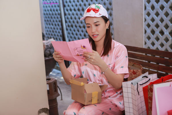 Đang ngủ, Diệu Nhi bị fan đột kích tổ chức sinh nhật - Hình 11