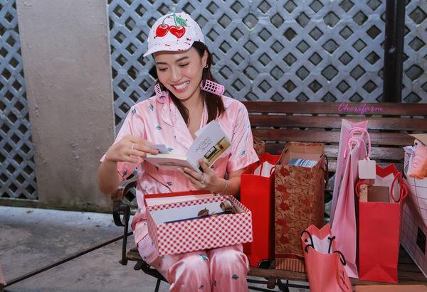 Đang ngủ, Diệu Nhi bị fan đột kích tổ chức sinh nhật - Hình 13
