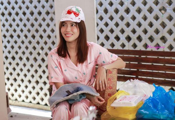Đang ngủ, Diệu Nhi bị fan đột kích tổ chức sinh nhật - Hình 8