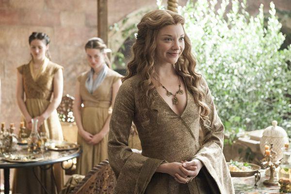 Đây là những nữ nhân xinh đẹp trong series phim nổi tiếng Game Of Thrones! - Hình 10