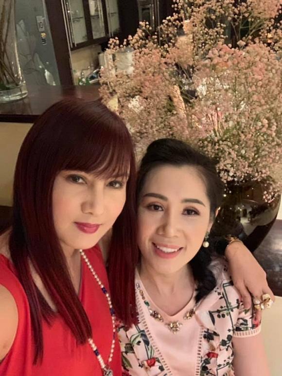 Diễn viên Hiền Mai làm lộ nhan sắc thật của loạt mỹ nhân Việt, khác xa hình ảnh đã được photoshop - Hình 4