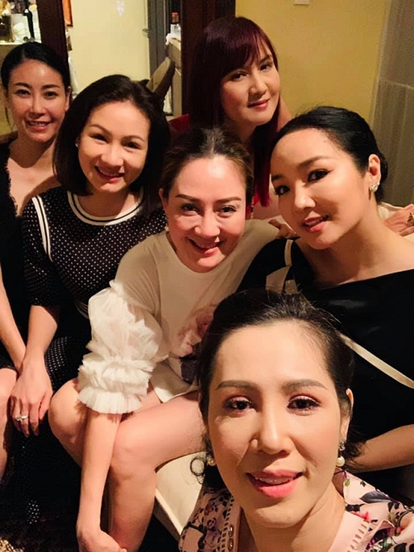 Diễn viên Hiền Mai làm lộ nhan sắc thật của loạt mỹ nhân Việt, khác xa hình ảnh đã được photoshop - Hình 2