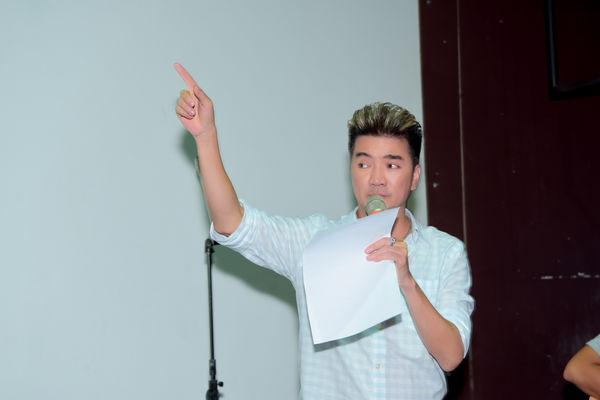 Hết tình tứ với Quang Linh, Mr. Đàm còn có 1001 pha thả dáng nhắng nhít trong buổi tập nhạc - Hình 13