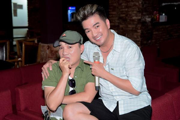 Hết tình tứ với Quang Linh, Mr. Đàm còn có 1001 pha thả dáng nhắng nhít trong buổi tập nhạc - Hình 10