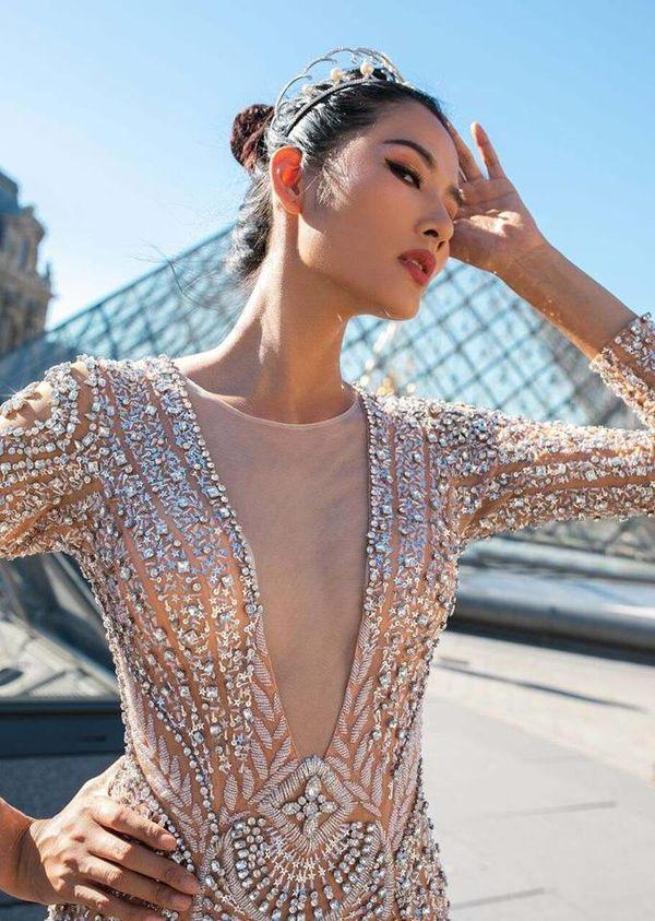 Hoàng Thùy lăng xê tóc búi, fan vote điên đảo: Quá chuẩn để in-top Miss Universe 2019 - Hình 10