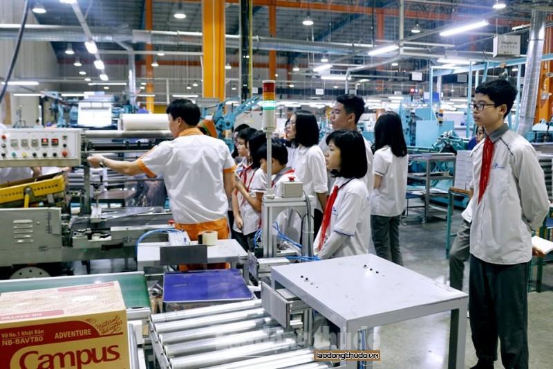 Học sinh Ban Mai trải nghiệm thực tế tại Nhà máy Kokuyo, Hải Phòng - Hình 2