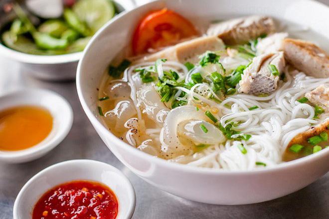 Mỗi miền tổ quốc Việt Nam đều có một vài món bún nức tiếng, dành cả thanh xuân chắc cũng chưa ăn được hết - Hình 11