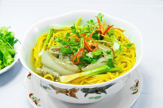 Mỗi miền tổ quốc Việt Nam đều có một vài món bún nức tiếng, dành cả thanh xuân chắc cũng chưa ăn được hết - Hình 9