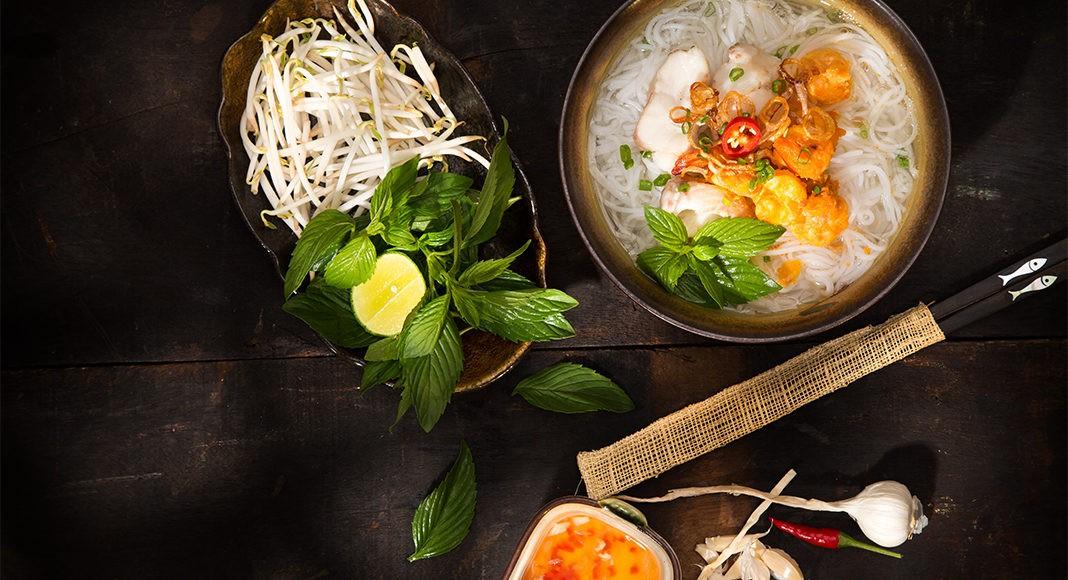 Mỗi miền tổ quốc Việt Nam đều có một vài món bún nức tiếng, dành cả thanh xuân chắc cũng chưa ăn được hết - Hình 16