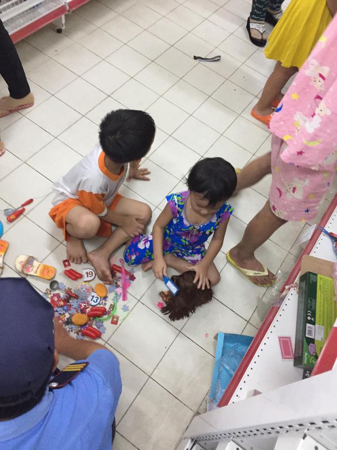 Sốc với cảnh tượng còn sót lại sau khi người dân săn đồ giảm giá 50% nhân dịp chuỗi siêu thị Auchan của Pháp rời khỏi Việt Nam - Hình 8