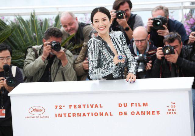 Thần thái đỉnh cao, Chương Tử Di tiếp tục tỏa sáng tại Cannes - Hình 22