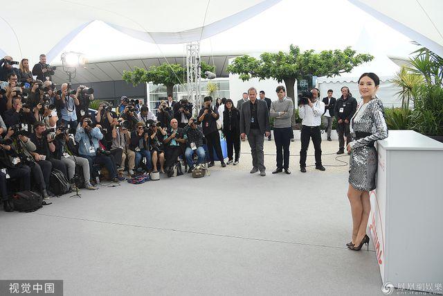 Thần thái đỉnh cao, Chương Tử Di tiếp tục tỏa sáng tại Cannes - Hình 20