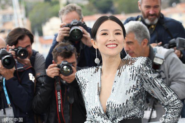 Thần thái đỉnh cao, Chương Tử Di tiếp tục tỏa sáng tại Cannes - Hình 17