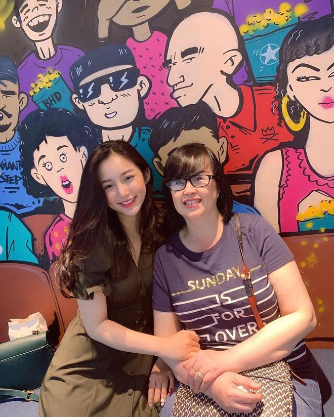 Thành viên mới của hội girl xinh Việt lên báo nước ngoài: Cười siêu đẹp, body siêu hot - Hình 7