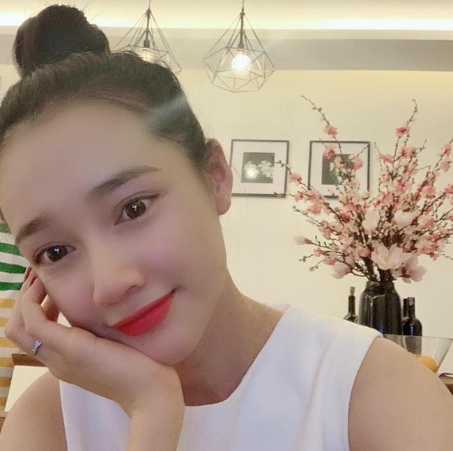 4 người đẹp lấy danh hài nổi tiếng Việt Nam nhưng lại sống khác nhau thế này - Hình 10