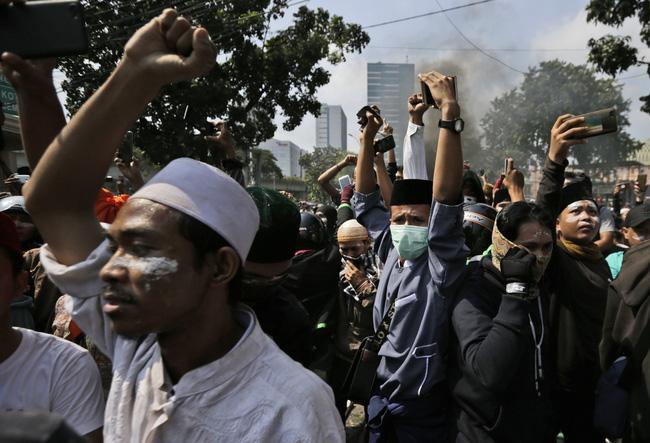 6 người thiệt mạng trong các cuộc biểu tình tại Indonesia - Hình 1