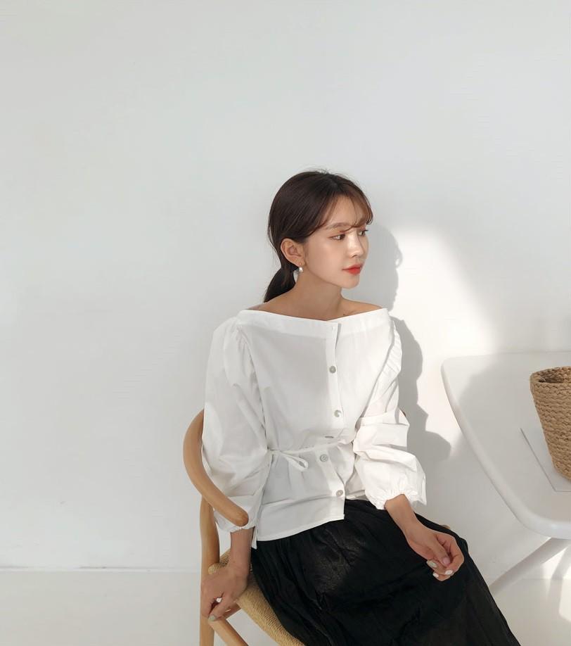 7 mẫu áo blouse không thể bỏ qua trong hè này, hễ mặc lên là auto xinh xắn - Hình 1