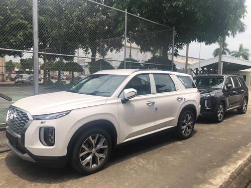 'Anh cả' SUV nhà Hyundai ồ ạt về Việt Nam