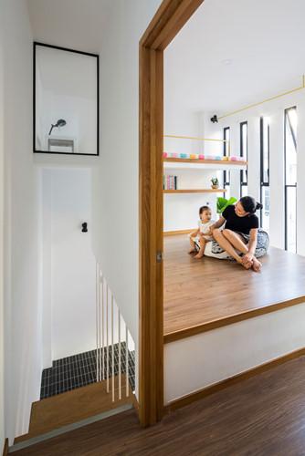 Căn nhà siêu nhỏ nhưng ngập tràn ánh nắng và rất tiện dụng nhờ thiết kế khác lạ - Hình 6