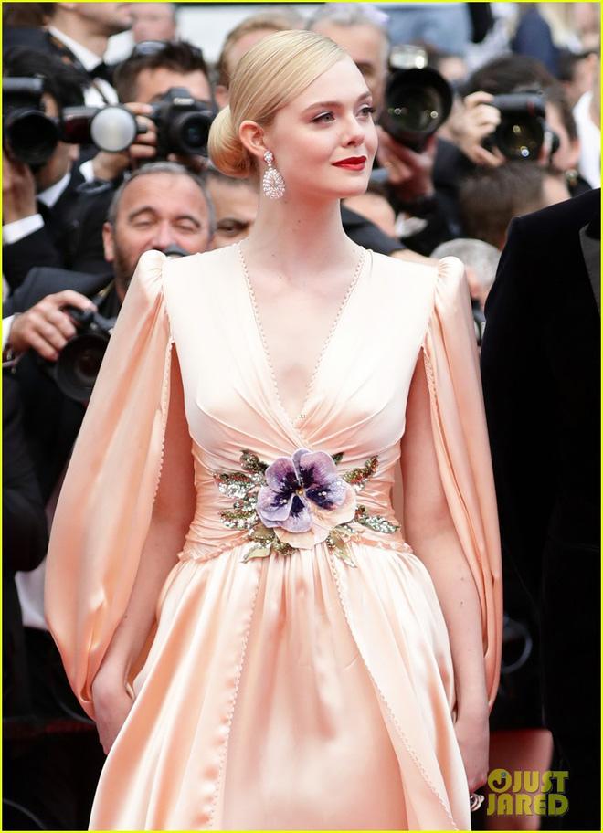 Giám khảo trẻ nhất lịch sử Cannes Elle Fanning: Đẹp vô thực, từ bóng của chị gái thành cô tiên nước Mỹ quyền lực - Hình 30