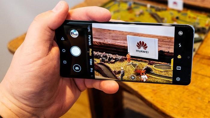 Hai công ty Nhật tuyên bố ngừng cung cấp cho Huawei - Hình 1