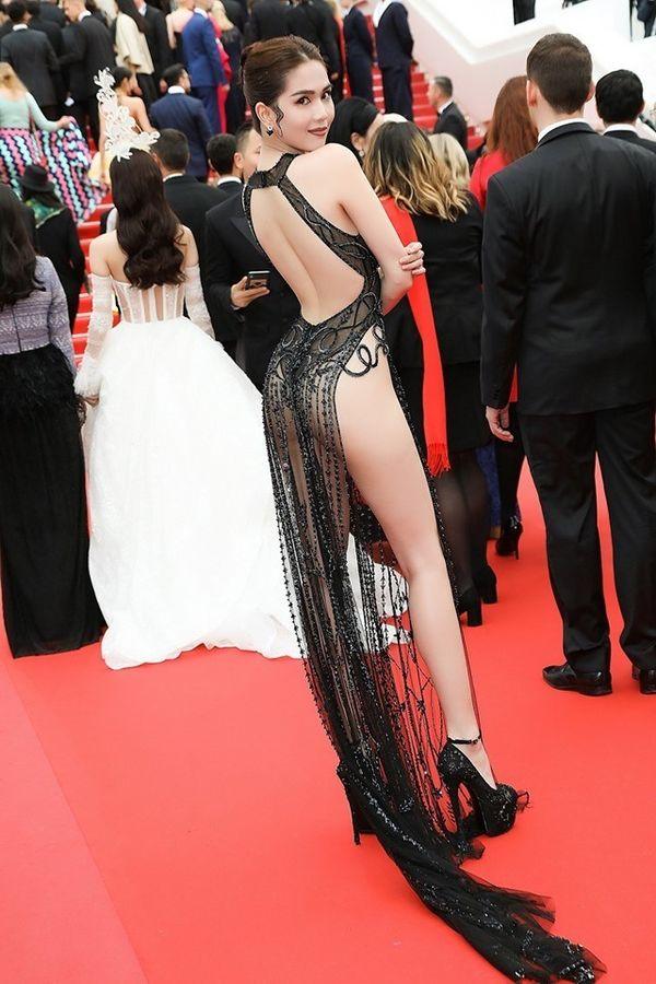 Không hở bạo như Ngọc Trinh, bạn gái Ronaldo vẫn toả sáng ở Cannes - Hình 1