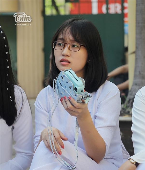 Nữ sinh THPT Chuyên Trần Đại nghĩa đã học giỏi lại còn xinh đẹp và đây là loạt ảnh chứng minh - Hình 11