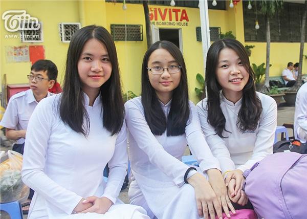 Nữ sinh THPT Chuyên Trần Đại nghĩa đã học giỏi lại còn xinh đẹp và đây là loạt ảnh chứng minh - Hình 8