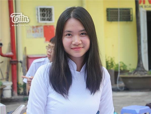 Nữ sinh THPT Chuyên Trần Đại nghĩa đã học giỏi lại còn xinh đẹp và đây là loạt ảnh chứng minh - Hình 9