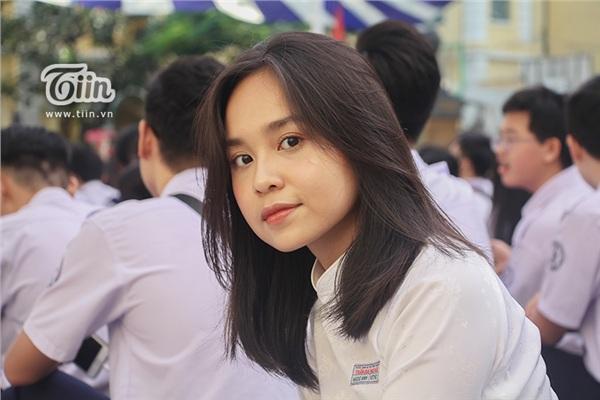 Nữ sinh THPT Chuyên Trần Đại nghĩa đã học giỏi lại còn xinh đẹp và đây là loạt ảnh chứng minh - Hình 12