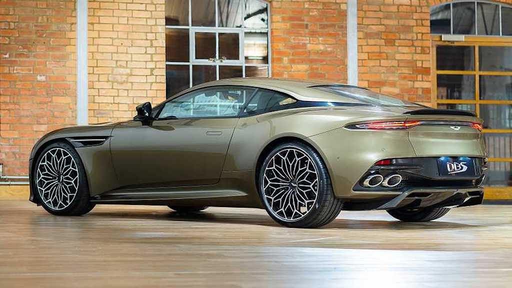 Siêu xe đặc biệt Aston Martin DBS Superleggera OHMSS Edition giúp bạn sành điệu như điệp viên 007 - Hình 10